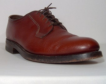 Rugged high quality Florsheim chestnut brown leather brogues shoes - men 10.5 E - beautiful - lace up oxfords -10.5E