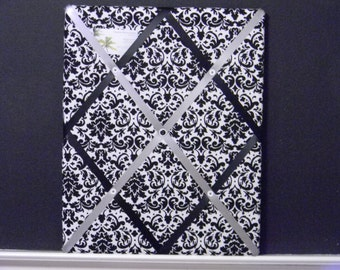 16 x 20 Black and White Damask Memory Board