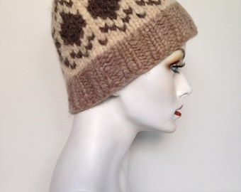 Handmade 70s Vintage Toque Cowichan Hat In Cream Beige And Brown