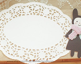 20 Rose Ellipse Paper Doilies (10 x 7.5in)