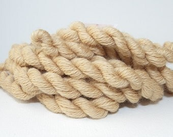 Embroidery yarn, hand-dyed with natural dyes, wool thread, embroidery floss, 20m, dyed with TEA and MEADOWSWEET, beige color, 029