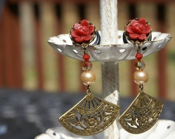 Ming Mei Oriental Flair Plug earrings