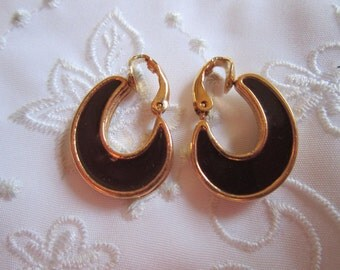 Vintage Classic Style Avon Brown and Tan Clip On Earrings