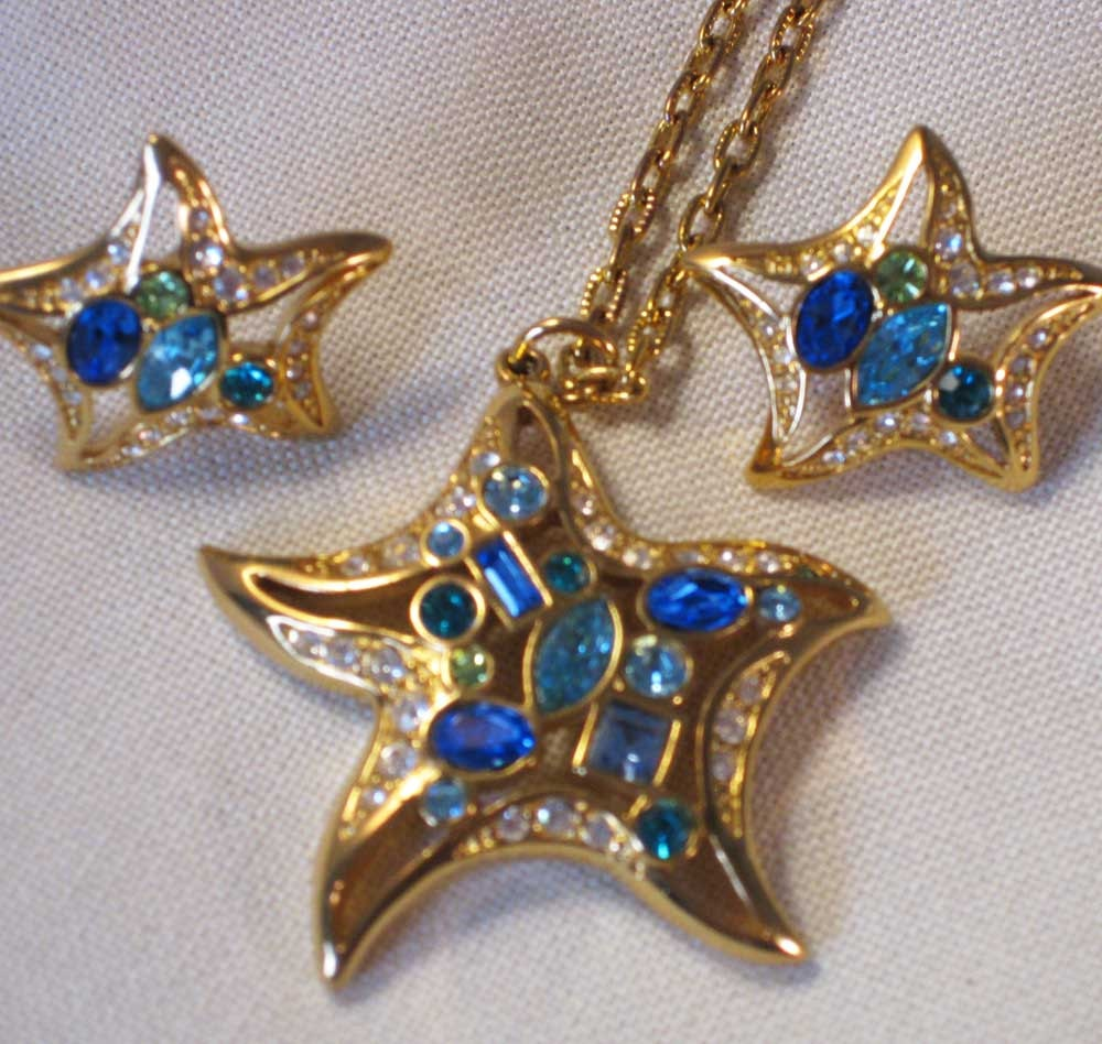 signed swarovski blue starfish pendant and earring by
