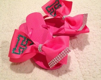 Initial Bows on Flip Flops