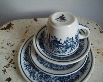 Restaurant ware cup saucer 2 size plates Shenango 1930s cobalt blue flowers on white 4 piece setting 2 available