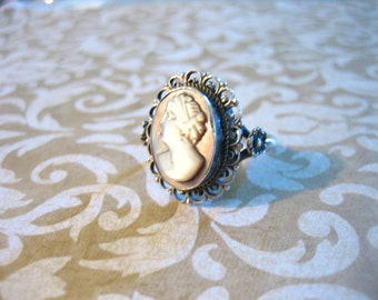 Art Deco Sterling Silver Carved Abalone Shell Cameo Ring