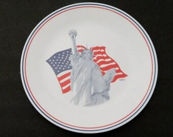 Corelle Dinner Plate Statue of Liberty American Flag Commemorative 1991