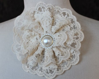 Cute   ivory  color  flower applique 1 pieces listing 6x6 inches