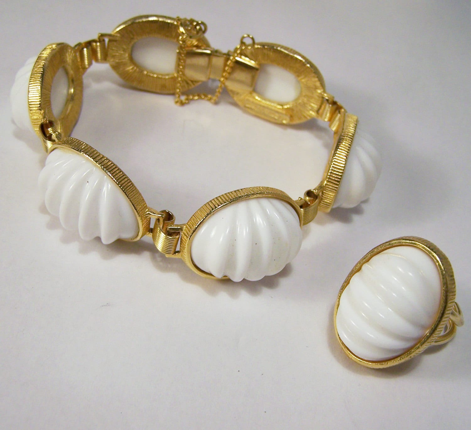 vintage castlecliff white dome jewelry set by gretelstreasures