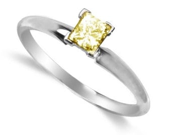 yellow diamond ring  14k white gold