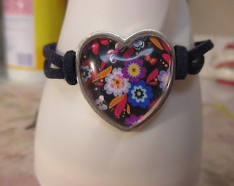 Flower Abstacted in a Heart Frame Bracelet