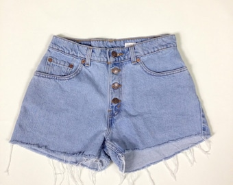 levis shorts, 80s light wash levis cut off denim shorts, jean cut offs, womens medium 28