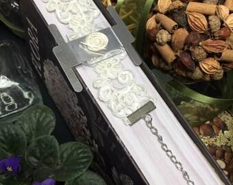 Corsage Bracelet – Southern Belle Lace - Ivory
