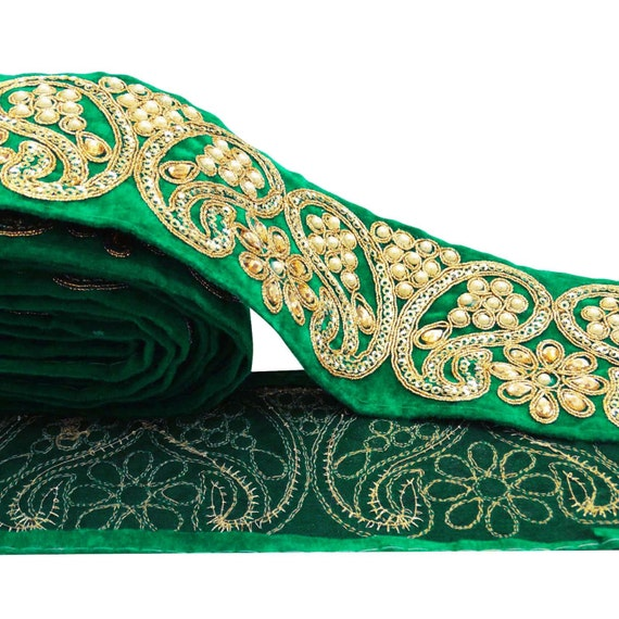 Green ribbon paisley print decorative sari border