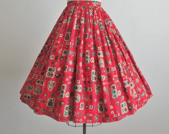 50's Fruit Print Skirt // Vintage 1950's Red Novelty Fruit Print Cotton Full Skirt XS