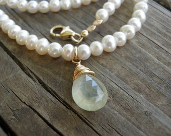 Bridal Pearl Necklace, Bridal Necklace, Paranite Pendand, Gold Necklace, Bridal Pearl Jewelry, Statement Necklace, 14K Gold Filled Necklace