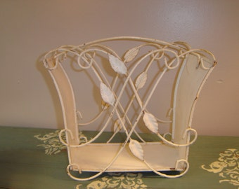 Vintage Metal Shabby Magazine Book Rack ~ Scrolling Wire ~ Leaf Leaves ~ Home Decor Accessory ~