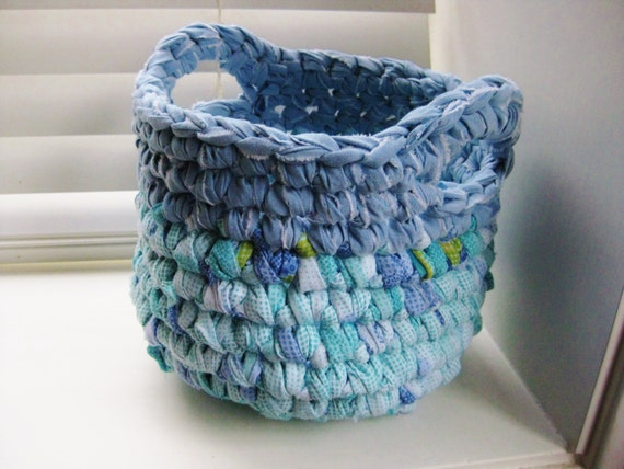Crocheted rag basket blue turquoise and white - Magique basket ...