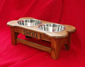 Elevated Dog Feeder Bowl, 9 Inch, Three Quart, Solid Oak Wood, FREE NAME and STAIN