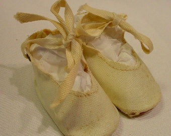 Vintage Ivory Oil Cloth Doll Shoes