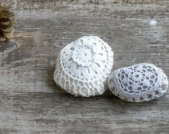 20% Off- Crochet Lace Stones , Country decor, Rustic Art, Decor Collectibles Stones  Shabby chic decor rocks, Upcycled Eco Art,paperweights,