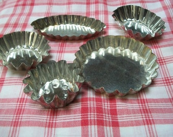 Lot of 5 Vintage French Fluted Cake tart tins moulds mini molds Pans Quiche petit Fours