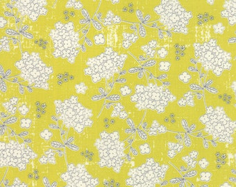 Garden Project - Vintage Floral in Pear by Tim & Beck for Moda Fabrics