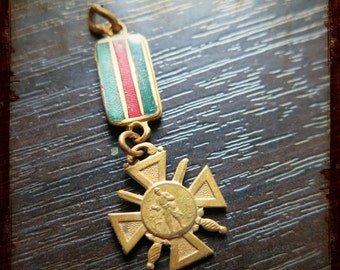 Antique Miniature French Military Medal Pendant - Vintage Jewelry pendant from Paris France
