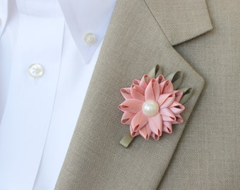 Mens Boutonniere, Wedding Boutonniere, Mens Lapel Flowers, Boutonniere for Men, Custom Colors, Custom Wedding Flowers, Father of the Bride