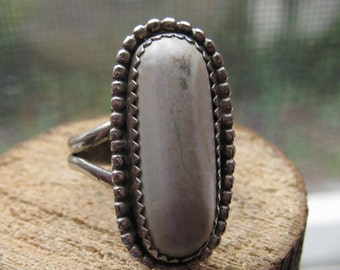 Southwestern Vintage Ladies Womens Sterling Silver Ring with Unique Natural White Turquoise Stone Size 7