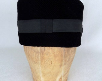 Vintage 60s Women's Black Hat with Bow Mad Men