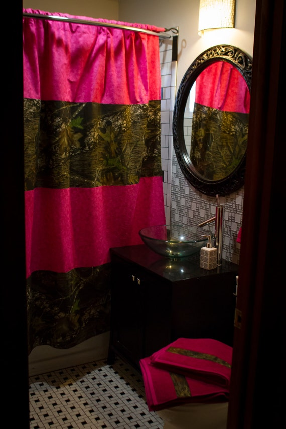 Charmant SALE  Ready To Ship Mossy Oak And Pink Shower Curtain And Matching Towels Bathroom  Set