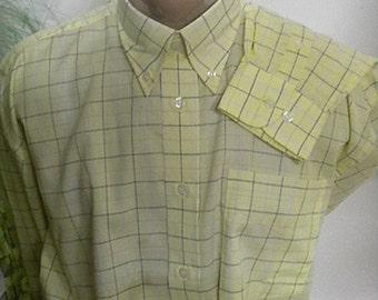 Elegant men's shirts of yellow cotton plaid