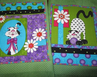 CUTE CATS BRiGHT and BEAUTiFUL KiTTY DiSH TOWELS on Green Cotton Terry Cloth