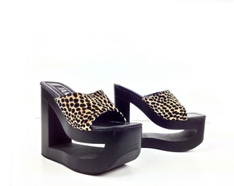 90's Fuzzy Leopard Cut Out Platform Wedge Sandals // 6