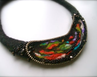 Felt necklace with zippers  - Handmade - Felted necklace- Black necklace - Wool necklace