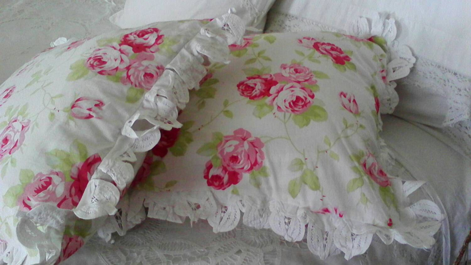Shabby Chic Toss Pillows : Shabby chic Throw pillow