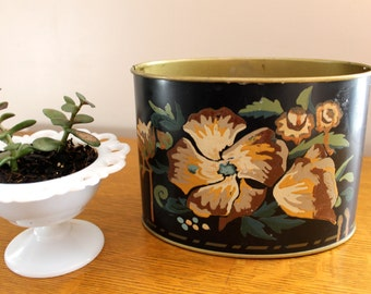 Home Decor... Vintage Hand Painted Flower Planter
