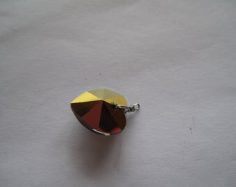 1 Iridescent/Burnt Copper Swarovski Heart Pendant