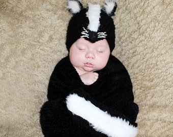 Newborn or 0-3 months  baby Skunk  hat and tail set crochet Newborn photo props photography boy girl