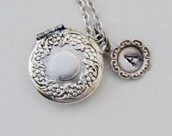 Blossom Flower,Small Locket,Silver Locket,Flower,Persoanlize,Monogram,Locket,Leaf,Jewelry Gift, Flower,Valentine's Gift,Wedding Necklace
