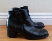 Vtg 90s black leather ankle boots // black chunky heel zip up booties // size 7.5