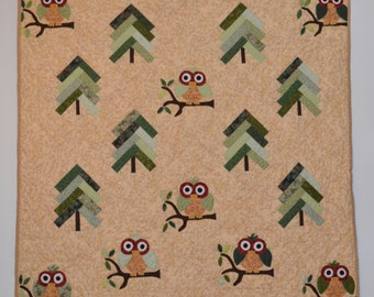 Who's in the woods Owl Quilt, Wall hanging, Lap Quilt, Throw 38 x 38
