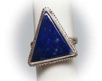 Lovely Sterling Silver Lapis Lazuli Ring