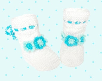 Discount 20%-   Knitted Baby booties,white baby booties, knitted baby shoes, baby knitted boots, READY TO SHIP