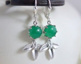 Cute Mistletoe Drop Earrings.  Holiday Earrings. Christmas Jewerly. Girls Christmas Gift. Stocking Stuffer.