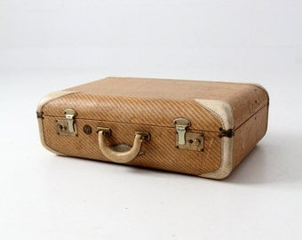 FREE SHIP  1930s suitcase, vintage Wilt luggage