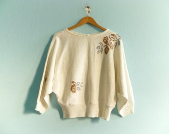 Vintage 80s batwing sweater top pullover / off white / floral / medium