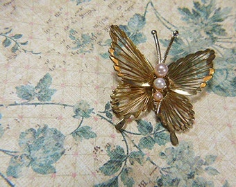 Vintage Victorian Style Gold Filigree Butterfly Brooch - BUT-34 - Gold  Filigree  Brooch  - Gold Butterfly Brooch